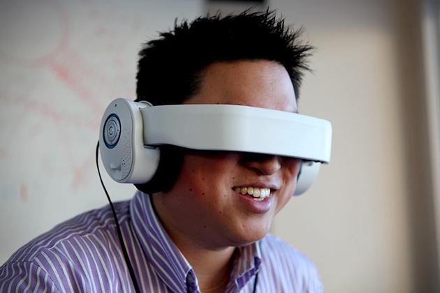 Avegant-Glyph-Virtual-Reality-Headset-0